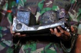 ENDONEZYA'DA DENİZE DÜŞEN YOLCU UÇAĞININ KARAKUTUSU BULUNDU