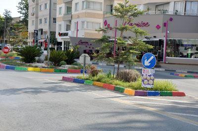 'MERDİVEN BOYAMA' KIBRIS'TA GİT GİDE YAYILIYOR