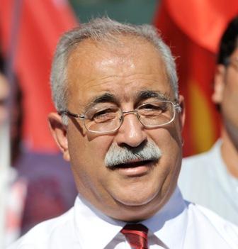 "İZCAN: İLAHİYAT KOLEJİ ""AKP'NİN DAYATMASI"""