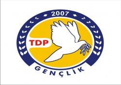 """""""AK PARTİ 'TUTUCU TOPLUM YAPISI' İNŞA EDİYOR"""""""