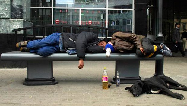RUSYA İNTERNETTEN ALKOL SATIŞINI DA YASAKLIYOR