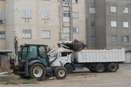 LTB, TAŞKINKÖY'DE İKİ GÜNDE 60 KAMYON ÇÖP VE MOLOZ TOPLADI