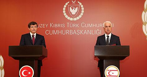 """DAVUTOĞLU: """"CUMHURBAŞKANI EROĞLU EZBERLERİ BOZDU"""""""