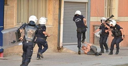 GÖSTERİ YAPAN İŞÇİLERE POLİS ATEŞ AÇTI