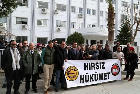 MALİYE'NİN ÖNÜNDE EYLEM VAR!