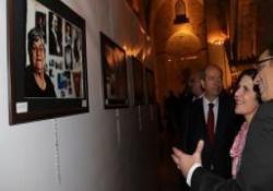 """""""BENİM KIBRISIM: KIBRIS'TA KADIN OLMAK"""" FOTOĞRAF SERGİSİ GİRNE'DE AÇILIYOR"""