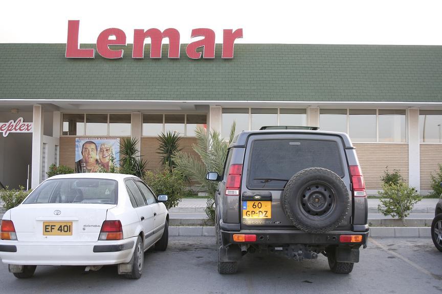 GİRNE LEMAR'DA HIRSIZLIK!