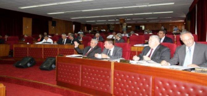 MECLİS'İN ANAYASA DEĞİŞİKLİĞİYLE İLGİLİ TOPLANTISINDA SORUN