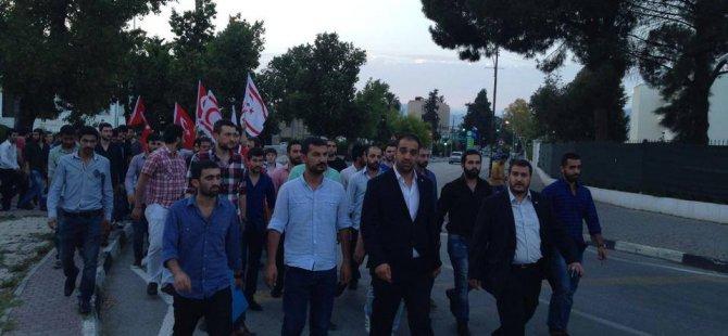 DİYARBAKIR'DA TÜRK BAYRAĞI İNDİRİLDİ!