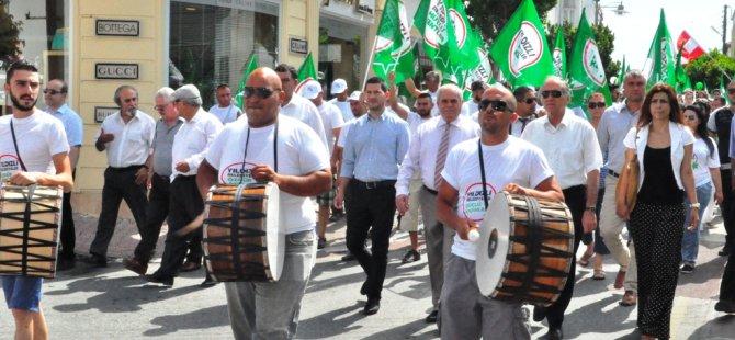 CTP-BG GİRNE'DE KARNAVAL YÜRÜYÜŞÜ YAPTI