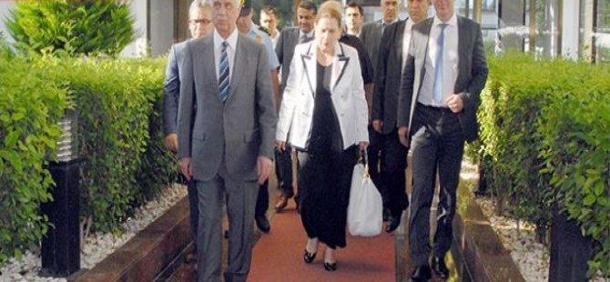 """""""DÜNYANIN SESSİZLİĞİ BİZİ ÜZÜYOR''"""