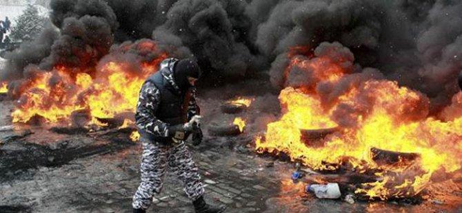 UKRAYNA'DA ÇATIŞMALAR EN AZ 200 KİŞİNİN CANINA MAL OLDU