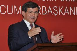 """DAVUTOĞLU'NDAN ANASTASİADİS'E """"GELİN BU BARIŞI BİR AN ÖNCE BULALIM…"""""""