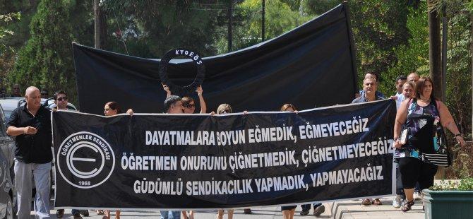 MİLLİ EĞİTİM BAKANLIĞI'NA SİYAH ÇELENK!