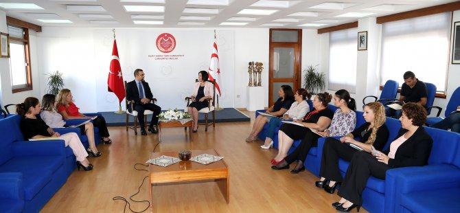 """""""YAŞAM BOYU EĞİTİME ÖNEM VERİYORUZ"""""""