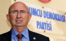 """ÖZYİĞİT: """"ÇÖZÜM FEDERAL KIBRIS'I ÖNGÖRMELİDİR"""""""