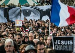 FRANSA'DA MİLYONLAR YÜRÜDÜ...