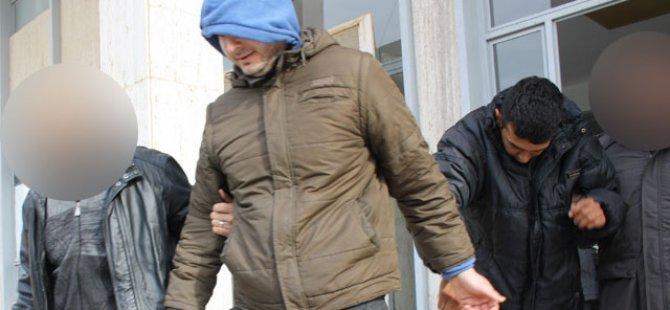 OPERASYON SONUCU GAZİMAĞUSA'DA TUTUKLANAN İKİ GENÇ...