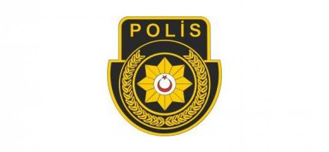 POLİS YOL KENARINDA PARK HALİNDE BULUNAN ARAÇTA...