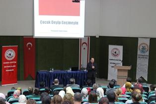 GAZİMAĞUSA'DA ÇOCUK EĞİTİMİ KONFERANSI YAPILDI