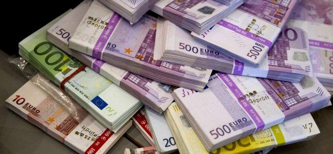 EURO 11 YILIN EN DÜŞÜĞÜNDE SEYREDERKEN...