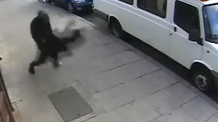16 yaşındaki kıza sokak ortasında...