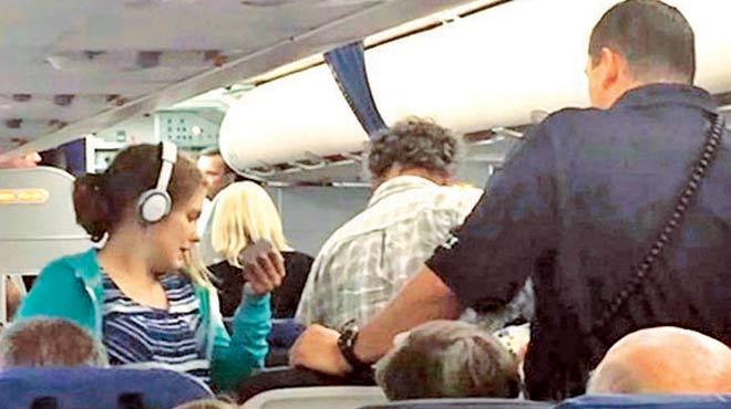 Uçakta insanlık ayıbı!