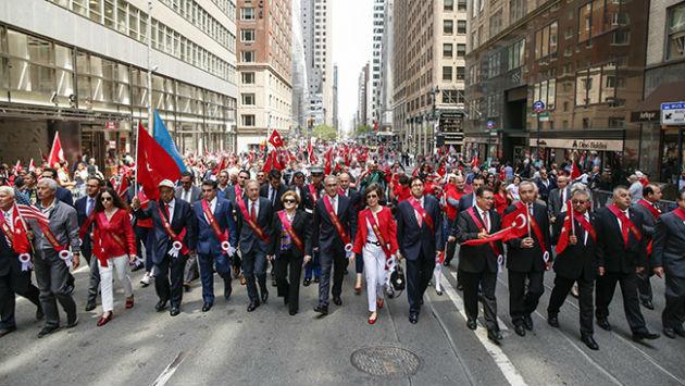 New York'ta Türk günü yürüyüşü