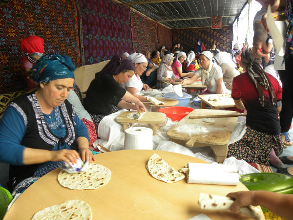 GAZİMAĞUSA'DA ANADOLU'NUN YÖRESEL KÜLTÜRÜ HALKLA BULUŞTURULDU
