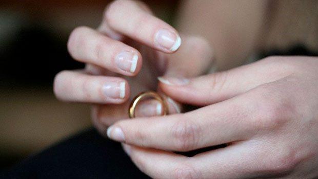 Bugün Boşanmak Yasaklandı!