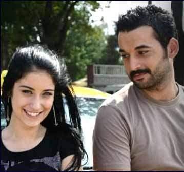 Babasını öldüren dizi oyuncusu Orhan Şimşek'e ceza yok