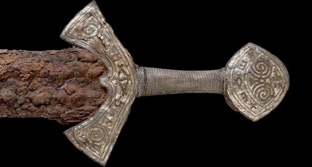 1000 yıllık kılıcın gizemi