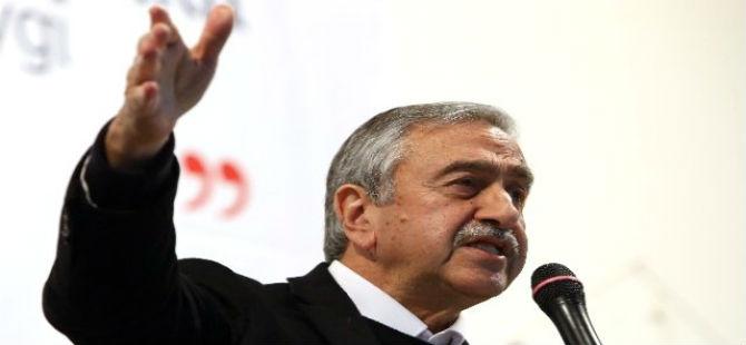 AKINCI, KAMU HİZMETİ KOMİSYONU'YLA İLGİLİ YASA TASLAĞI SUNDU