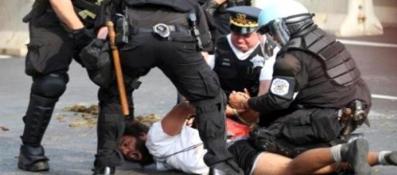 AMERİKA'DA POLİS ŞİDDETİ SÜRÜYOR…