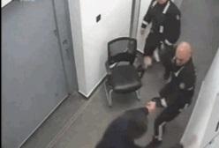 DAYAKÇI POLİSLER HAKKINDA SORUŞTURMA AÇILDI