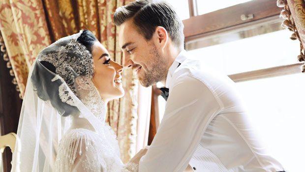 'Sırrı' nikahta ortaya çıktı