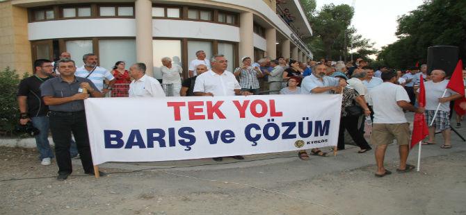 """""""GELECEK YIL BARIŞI KUTLAMAK İÇİN AYNI YERDE TOPLANACAĞIZ"""""""