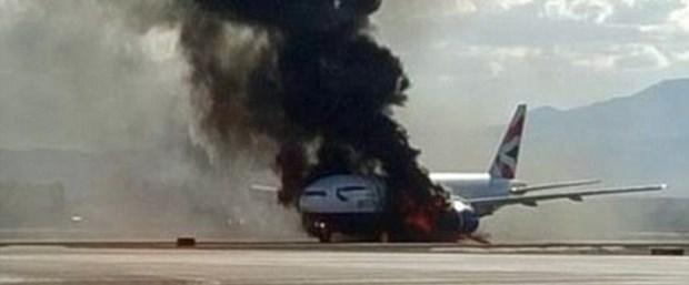 Uçak alev topuna döndü