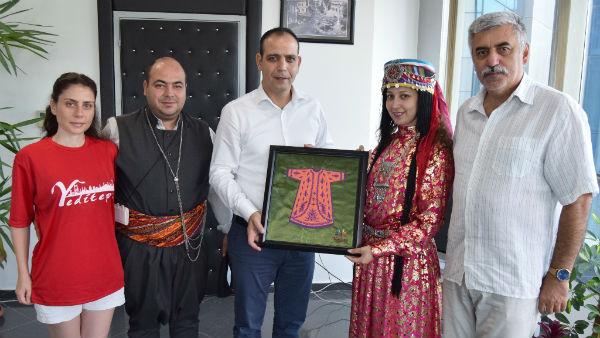 LTB BAŞKANI HARMANCI HALK DANSLARI EKİPLERİNİ KABUL ETTİ