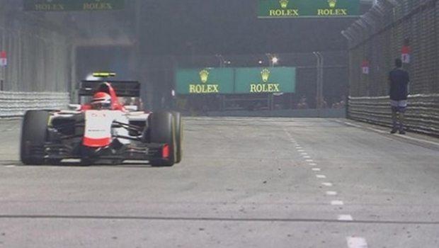 F1'DE  İNANILMAZ OLAY..