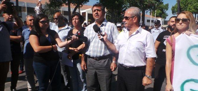 TC ELÇİLİĞİNİN ÖNÜNDE PROTESTO EYLEMİ