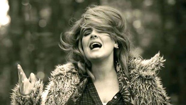 Adele'in Yeni Şarkısı 'Hello' YouTube'da Rekor Kırdı