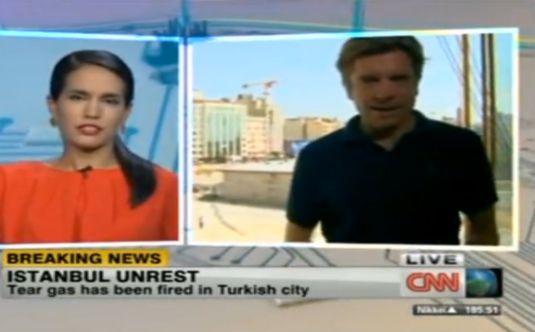 CNN INTERNATIONAL MUHABİRİ YAYINI YARIDA BIRAKTI!