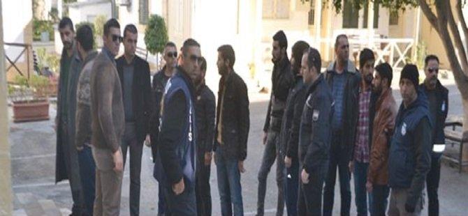 POLİSE GİDEREK TESLİM OLDULAR