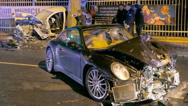 Ünlü Yönetmenin Oğlu Kaza Yaptı, 1 Polis Öldü!