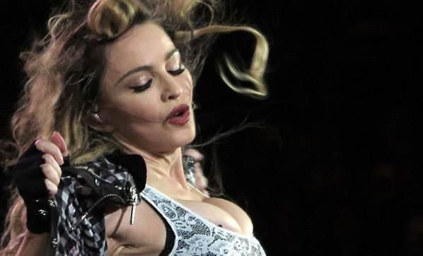 Madonna: Sevgilim Beni Antrenörümle Aldattı