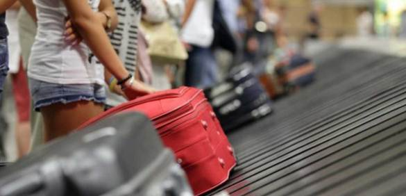 Uçağa Valizindeki Bebek İle Bindi!
