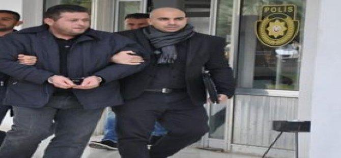 POLİSTEN FİRAR ETTİ...