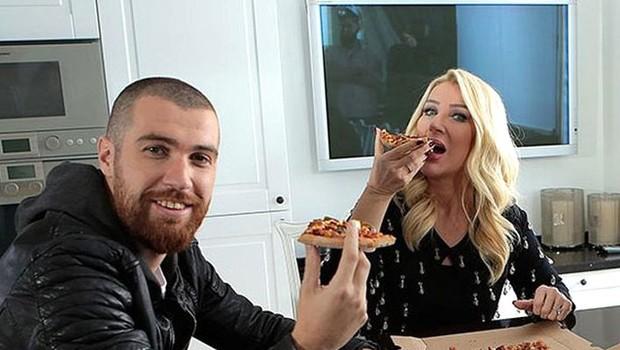Seda Pizzaya da Kolaya da Dava Açtı!