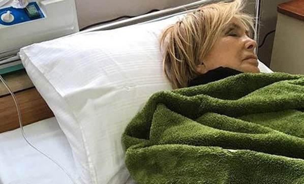 Filiz Akın hastaneye kaldırıldı